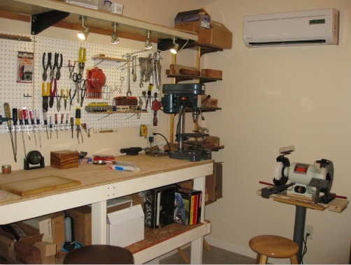 Workshop table and shelves aggressively passive for Home shop 24